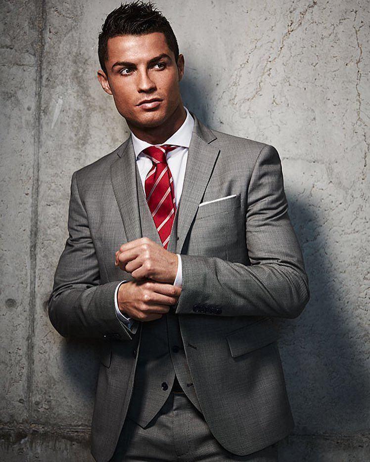 Роналду станет первым футболистом, заработавшим $ 1 млрд за карьеру